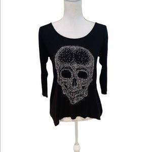 Issi scoop neckline tiny bead skull 3/4 sleeve tee